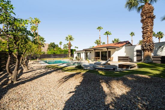 1133 East Via Escuela _1133_East_Via_Escuela Palm_Springs California 53