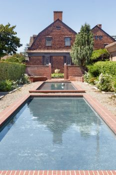 11 La Linda Drive Reflecting Pools Close Full