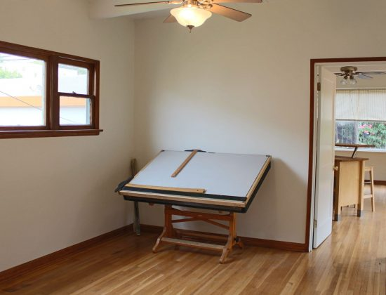 2036 Eucalyptus Avenue  Bed3.1