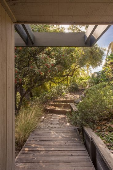 580 North Hermosa Avenue Garden Path B Full
