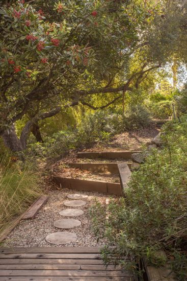 580 North Hermosa Avenue Garden Path Full