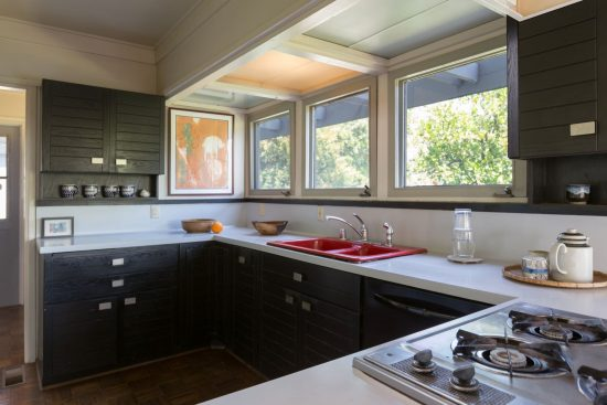 580 North Hermosa Avenue Kitchen Full