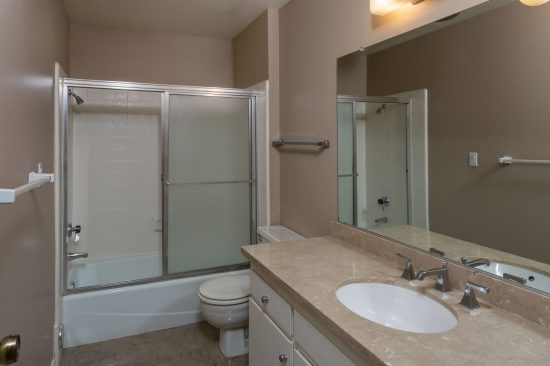 555 West Sierra Madre Boulevard Bath 2 Full