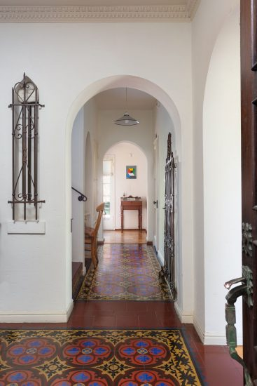 421 South Highland Avenue Entry Hall Full