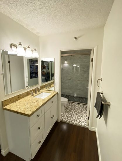 600 West 9th Street Bath1